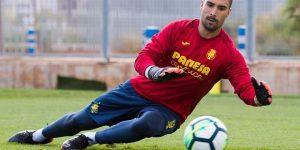 Sergio Asenjo, en un entrenamiento del Villarreal.